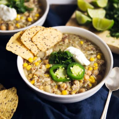 Check out this delicious, healthy, easy-to-make slow cooker chicken chili recipe! It's the perfect healthy, hearty dinner!